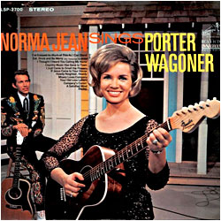 Cover image of Sings Porter Wagoner